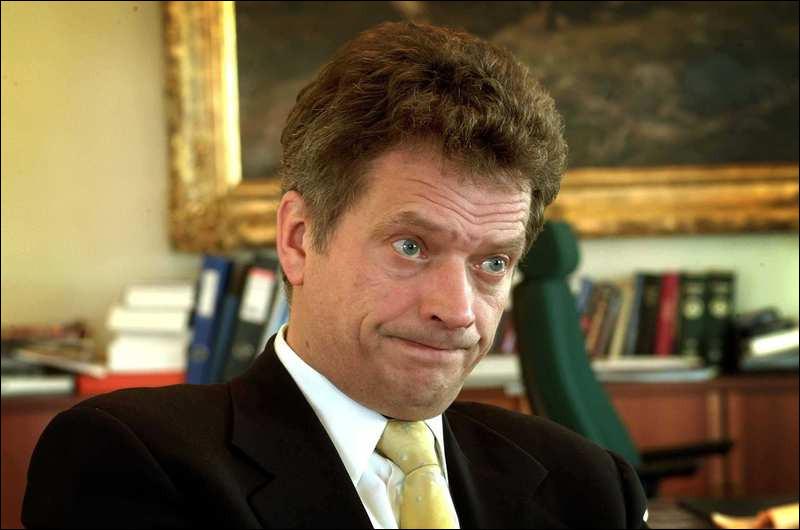 Sauli Niinistö.Période : depuis le 1er mars 2012.Parti politique : Kok (Parti de la coalition Nationale).Tendance : libéralisme - conservatisme - atlantisme - réformisme.