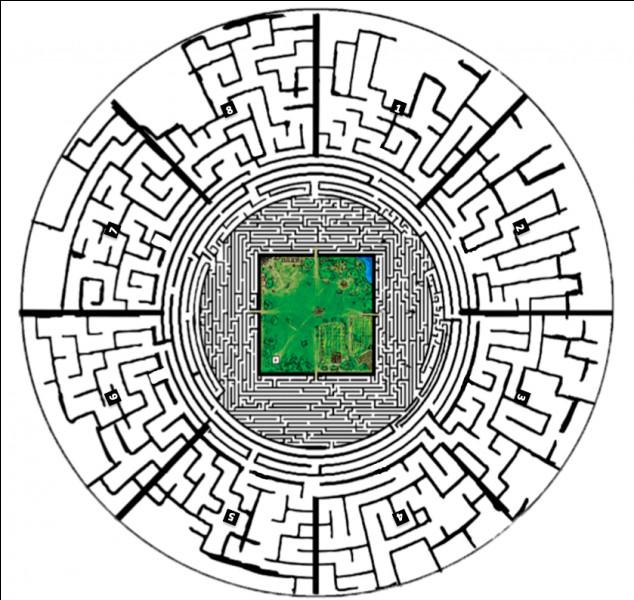 Pour sortir du Labyrinthe il y a un ordinateur où il faut taper un code.