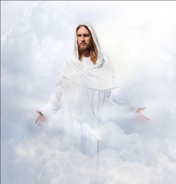 Durant son enfance, Jésus suivra l'enseignement d'une secte mystique juive près de la mer morte. Quelle est-elle ?