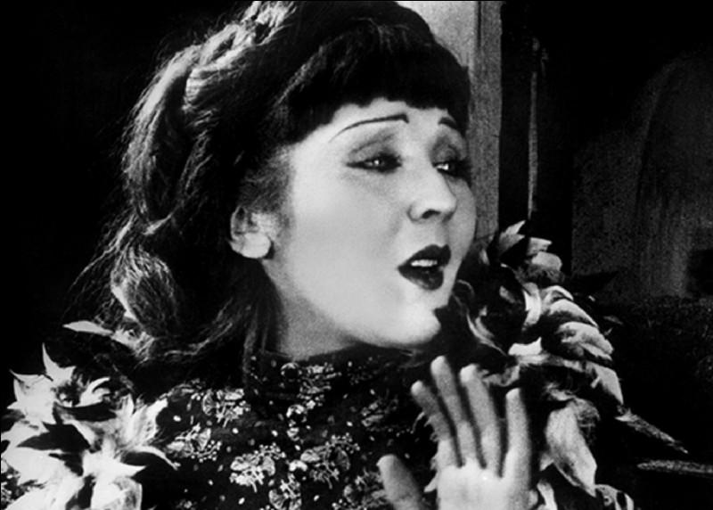 Qui est le réalisateur du film muet ''Nana'', sorti en 1926 ?