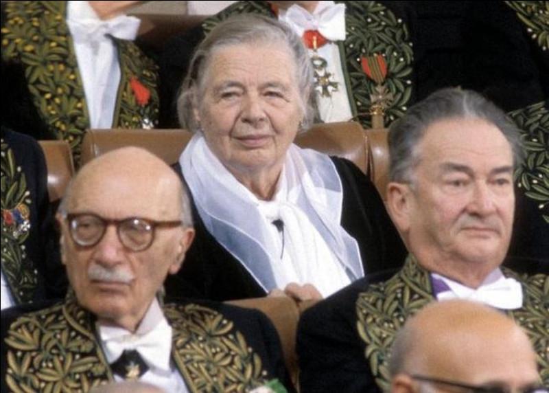 Quelle est la première femme à avoir été élue à l'Académie française ?
