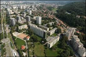 Dans quel département se situe la ville d'Échirolles ?