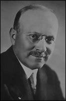 Son nom est Citroën, quel est le prénom de ce fondateur en 1919 de sa marque automobile ?