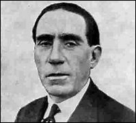Son nom est Renault, quel est le prénom de ce fondateur en 1899 de sa marque automobile ?