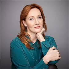 """Le nom complet de l'auteure de la saga """"Harry Potter"""" est Joanne Kathleen Rowling."""