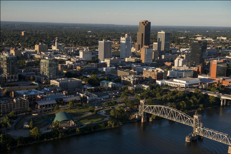 De quel Etat Little Rock est-elle la capitale ainsi que la plus grande ville ?