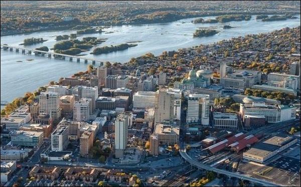 De quel Etat Harrisburg est-elle la capitale ?