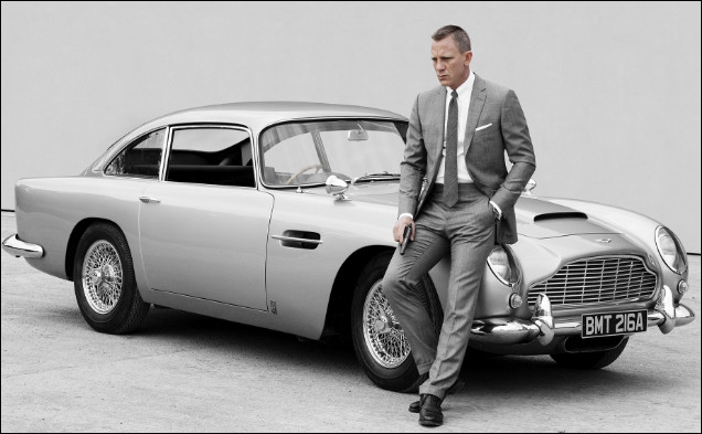 Aujourd'hui icône du cinéma britannique, l'Aston Martin DB5 truffée de gadgets est apparue la première fois en 1964 aux côtés du célèbre agent secret 007 joué par l'acteur Sean Connery. Dans quel film de la saga sont-ils apparus ensemble pour la première fois ?
