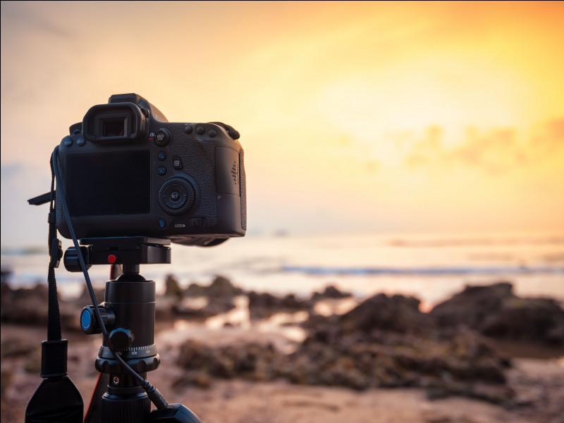 À quel interprète pensez-vous en voyant l'image de cet appareil photo ?