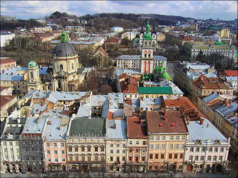 Grande ville ukrainienne de 720 000 habitants, centre de la Galicie ukrainienne :