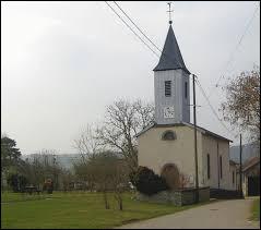 Vous avez sur cette image la chapelle Saint-Martin-et-Saint-Sébastien de Bettoncourt. Village Vosgien, il se situe dans l'ex région ...