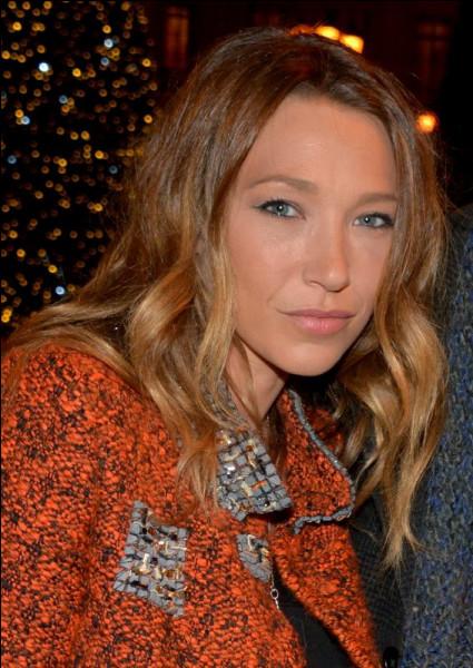 Elle a deux parrains, le producteur Dominique Besnehard et le chanteur ...