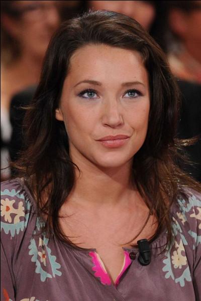 """En 2003, elle fait ses débuts au cinéma dans le film """"Les Corps impatients"""" réalisé par Xavier Giannoli. Quelle récompense reçoit-elle pour son rôle ?"""