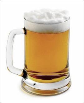 Quel est ce récipient, un gobelet cylindrique avec anse dans lequel on boit de la bière ?