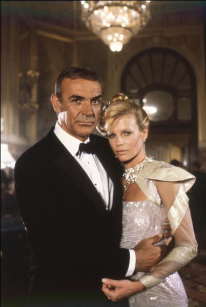 Quel est ce film, sorti en 1983, nouvelle adaptation du roman Opération Tonnerre, dans lequel il incarne une dernière fois James Bond ?
