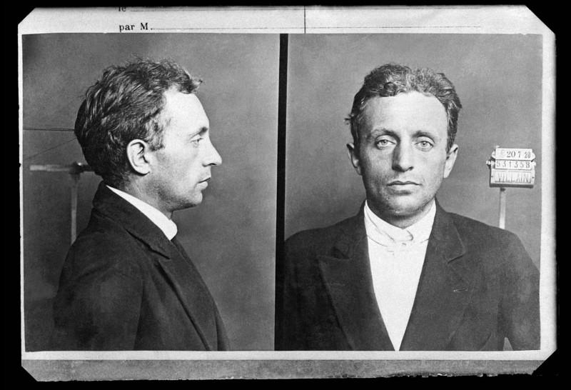 Raoul Villain, assassin de Jean Jaurès, tira deux coups de feu dans la tête du socialiste, et précipita le début de la guerre. Où Raoul a-t-il assassiné Jean Jaurès ?