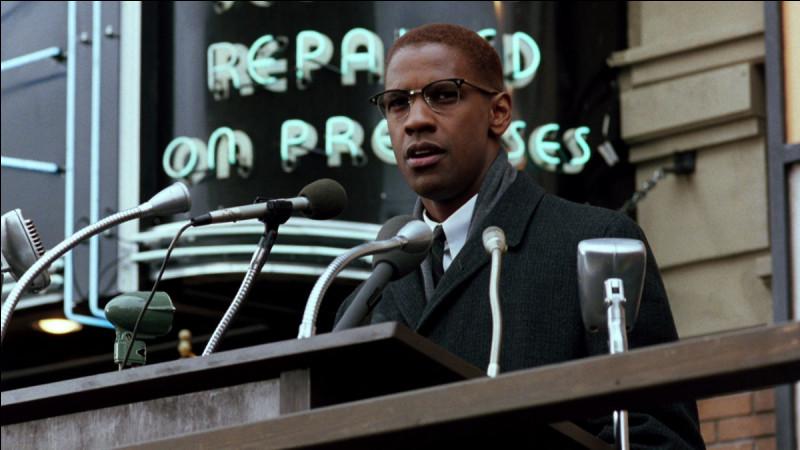 Norman 3X Butler, Thomas 15X Johnson et Talmadge Hayer, sont les assassins de Malcolm X le 21 février 1965 durant un discours de Malcolm X. Quelle arme a touché une première fois Malcolm X ?