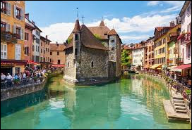 Comment appelle-t-on les habitants de la ville d'Annecy ?