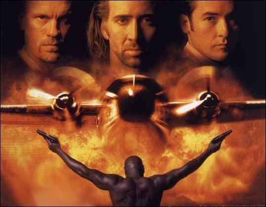 Comment se nomme le célèbre producteur de films d'action hollywoodiens qui a produit 'Les ailes de l'enfer' ?