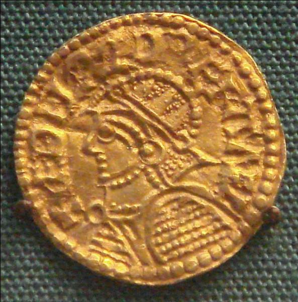 Æthelred, qui fut roi d'Angleterre, est considéré comme responsable de l'invasion viking de son pays. Un mauvais présage - dit-on - lui aurait aussi laissé ce surnom : lesquels ?