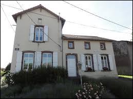 Petit village du Grand-Est de 51 habitants, dans le parc naturel régional de Lorraine, Rorbach-lès-Dieuze se situe dans le département ...