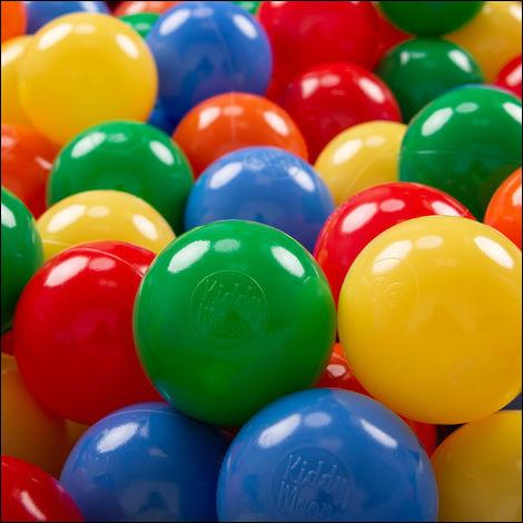 Zoé a 4 ballons roses.Léo a 4 ballons bleus.Combien ont-ils de ballons ?