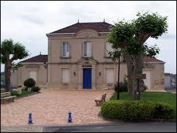 Nous sommes en Nouvelle-Aquitaine, à Omet. Commune de l'Entre-deux-Mers, dans le vignoble de Cadillac, elle se situe dans le département ...
