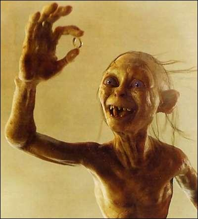 Autrefois, Gollum était :