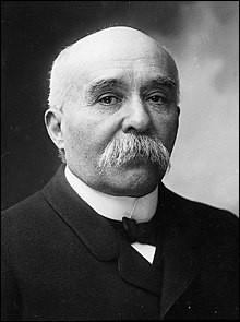 """Qui est ce Georges, médecin et homme d'État, surnommée """"le Tigre"""" puis le """"Père la Victoire"""" en raison du rôle important qu'il a joué lors de la Première Guerre mondiale"""", mort en 1929 ?"""