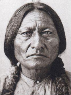 Qui est ce médecin, chef de la tribu des Lakotas (Sioux), célèbre pour sa résistance face à l'armée américaine, mort en 1890 ?