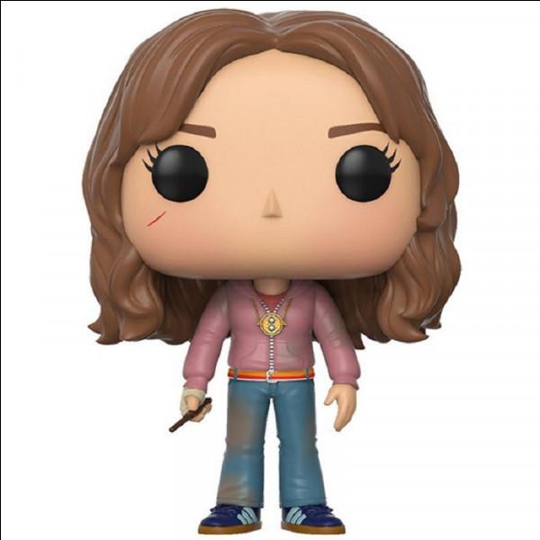 Facilement reconnaissable Hermione est, ici, habillée comme dans quel tome ?