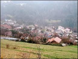 Commune d'Auvergne-Rhône-Apes, dans l'aire urbaine Grenobloise, Les Adrets se situe dans le département ...