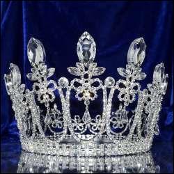 """Dans """"Le Petit Prince"""" de Saint-Exupéry, pourquoi le roi, sur sa planète est-il obéi de tous ces sujets ?"""
