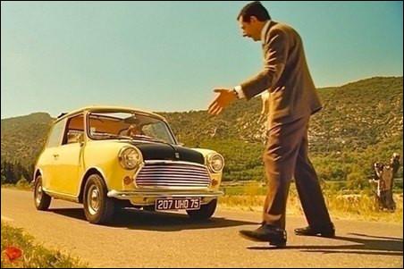 """Dans le film""""Les Vacances de Mr Bean"""" dans quelle auto Ronan Atkinson monte-t-il en faisant du stop ?"""
