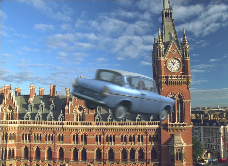 Dans la saga Harry Potter quelle est cette auto au look bien particulier ?