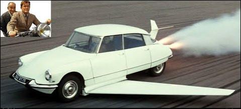 Dans le film ''Fantômas'', quel véhicule Jean Marais utilise-t-il pour décoller dans les airs ?
