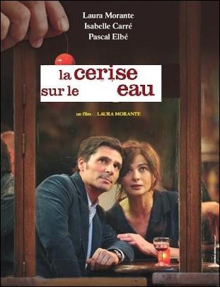 Quel est ce film de 2012 où une femme qui a peur des hommes se retrouve invitée dans une soirée de nouvel an destinée à lui faire surmonter son handicap ?