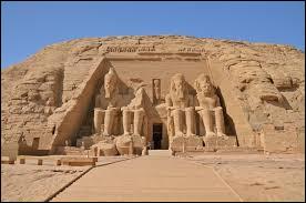 Au temps des pharaons, les temples égyptiens étaient interdits au public.