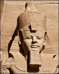 Ramsès II a régné sur l'Égypte durant 66 ans.