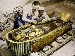 En 1922, Howard Carter a découvert le tombeau du pharaon Toutankhamon.