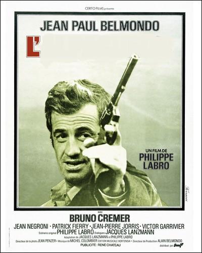 """Belmondo est un chasseur de prime de luxe, employé par le gouvernement. Un bon film policier rehaussé par un """"bebel"""" aussi bon que d'habitude..."""