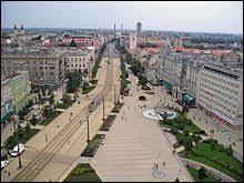 Dans quel pays se situe la ville de Debrecen ?