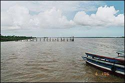 Combien de pays d'Amérique du Sud porte le nom d'un cours d'eau ?