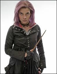 N - Nymphadora Tonks n'est pas une sorcière comme les autres : elle est...