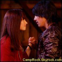 Est-ce-que dans Camp Rock 1 et 2 Joe et Mitchie s'embrassent (comme dans tout les autres films disney ! ) ?