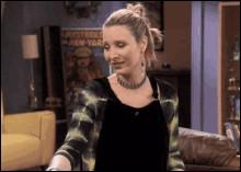 Dans la saison huit, quels noms propose Phoebe pour l'enfant de Rachel ?