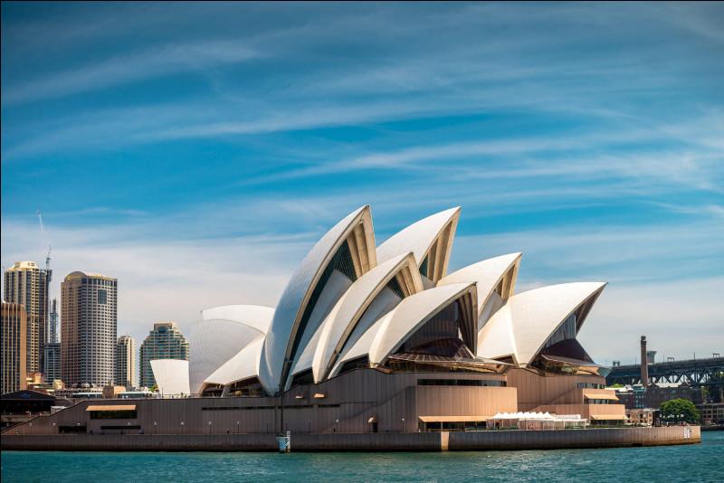 Quel membre a vécu à Sydney ?