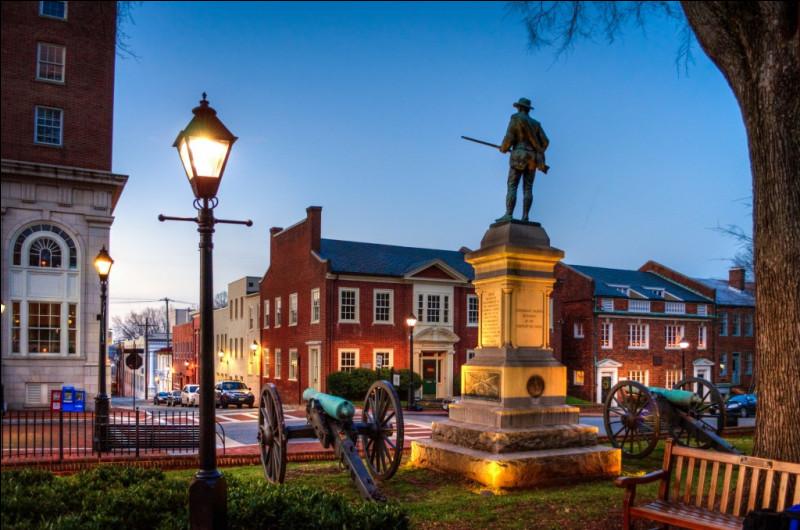 Dans quel État est située la ville de Charlottesville ?