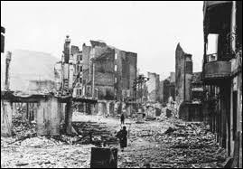 Quelle ville espagnole a été bombardée en 1937 ?