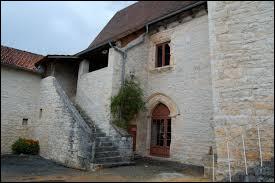 Je vous emmène à Gabillou. Village néo-aquitain, dans l'aire urbaine de Périgueux, il se trouve dans le département numéro ...